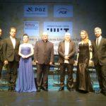 fot. Radek Kobiałko - od lewej: Paweł Pańta, Cezary Konrad, Natalia Wilk, ks. dr Andrzej Chibowski, Włodek Pawlik, Margo, Michał Dembiński